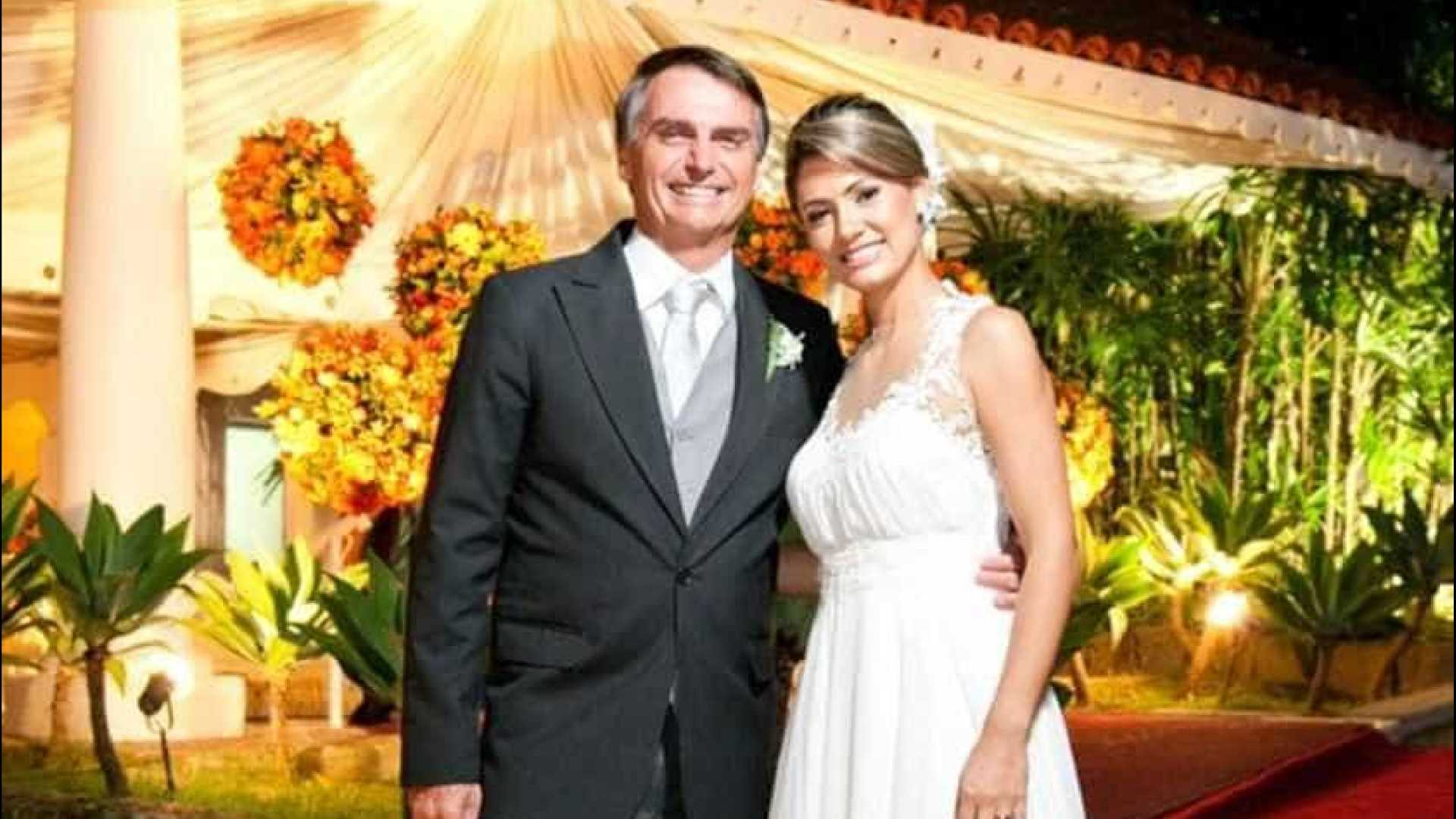 Perfis falsos de Michelle Bolsonaro se espalham na internet