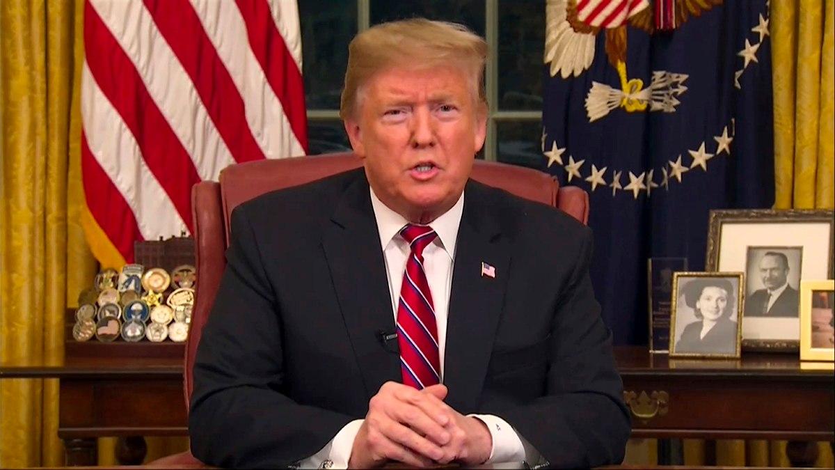 Donald Trump faz discurso na TV para defender construção do muro na fronteira