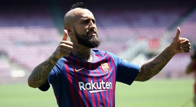 Vidal tiene posibilidades de ser delantero en el Barça