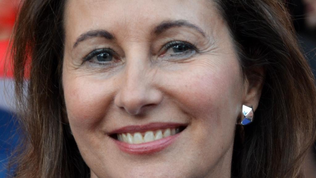 Ségolène Royal renonce à être tête de liste aux Européennes