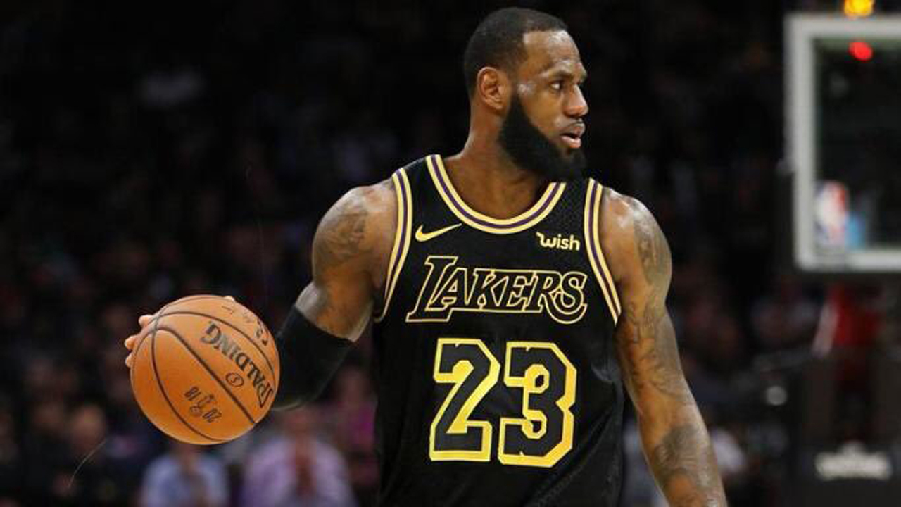 Lakers have a plan to sign a free agent over making a big trade