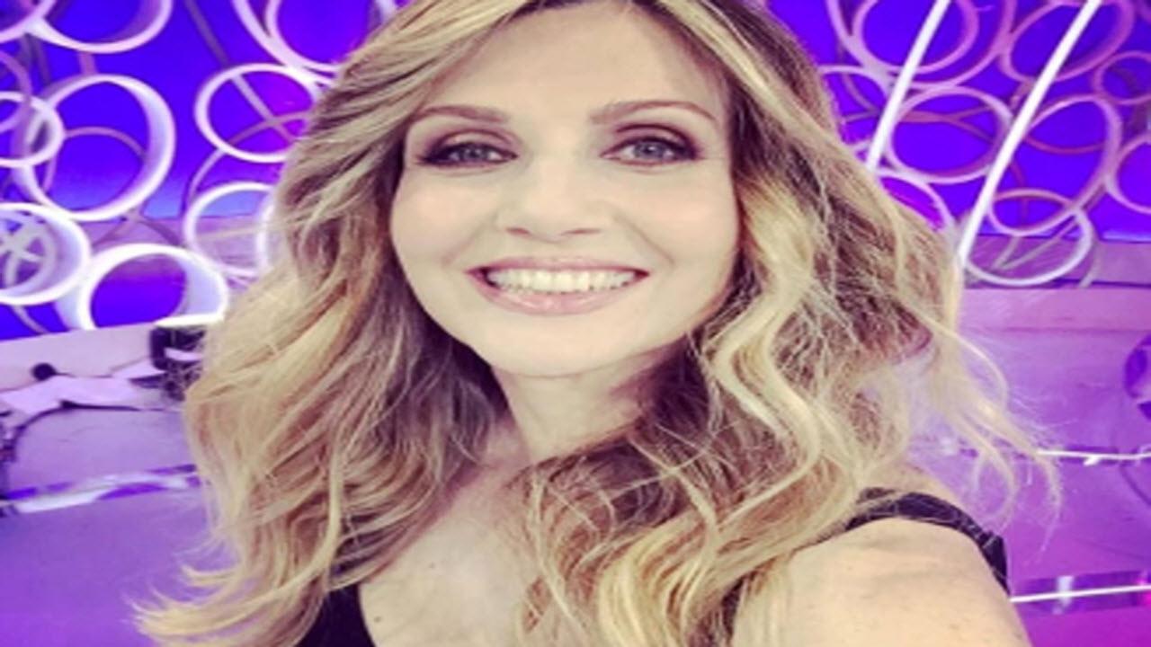 Lorella Cuccarini 'sovranista' e 'contro i migranti': lo svela in un'intervista