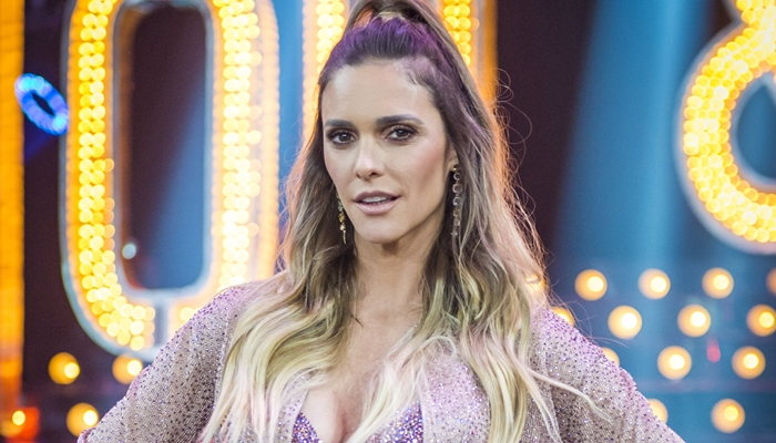 Fernanda Lima impressiona ao postar foto da gravidez