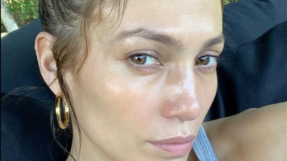 Jennifer Lopez: A 49 si mostra su instagram senza make-up