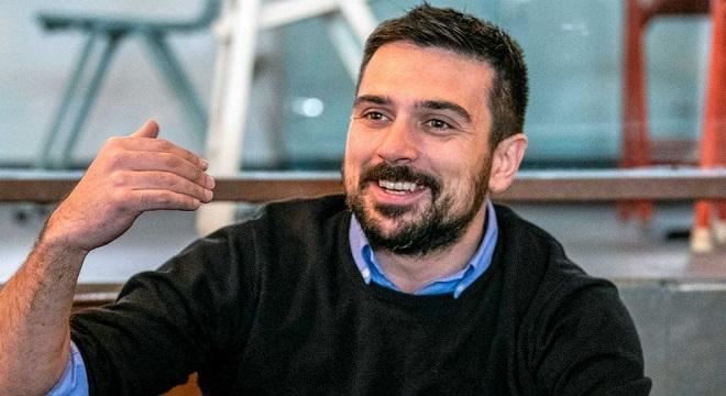 Espinar anuncia en Twitter que dimite de sus cargos en Podemos