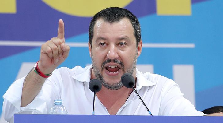 Matteo Salvini su Facebook: 'Non vedrai questo video in tv' sulla Sea Watch