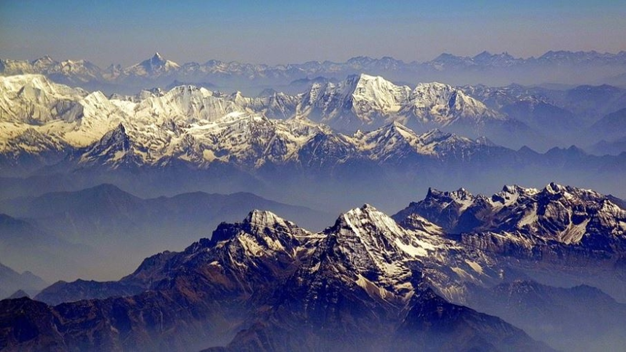 Himalayan glaciers at risk of melting through global warming