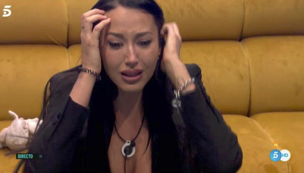 En un vídeo Aurah Ruiz confiesa que no lo está pasando bien