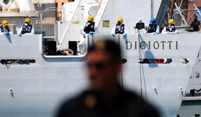Migranti, processano l'Italia per le frasi di Salvini e Toninelli