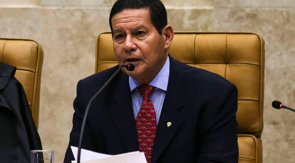 Mourão diverge do STF sobre necessidade de se votar criminalização da homofobia