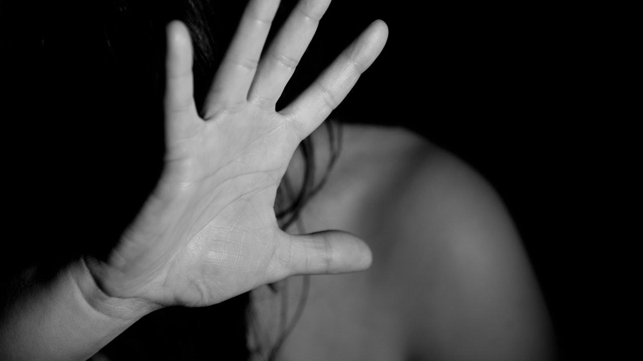 Anzio, violenta la figlia per anni: l'Esercito sospende militare arrestato