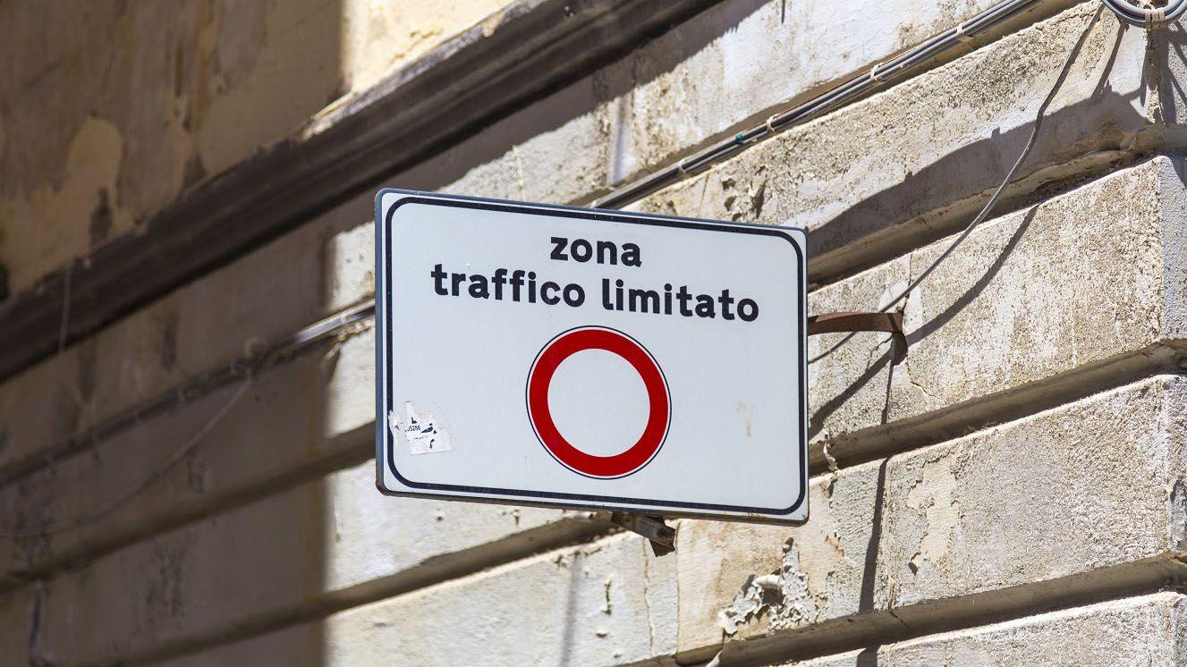 Milano apre l'Area B, la ztl più grande d'Italia ma non senza polemiche