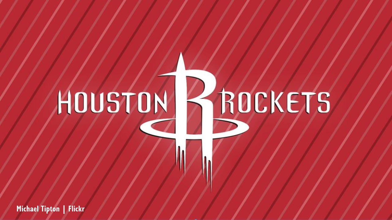 Los Angeles Lakers beat Rockets to keep playoff hopes alive