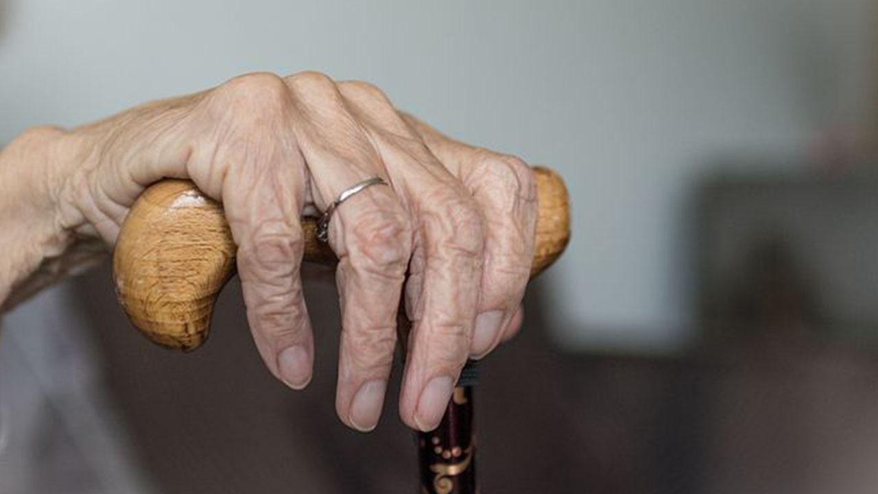 Sudafrica, stuprano la bisnonna 96enne: arrestati due ragazzi