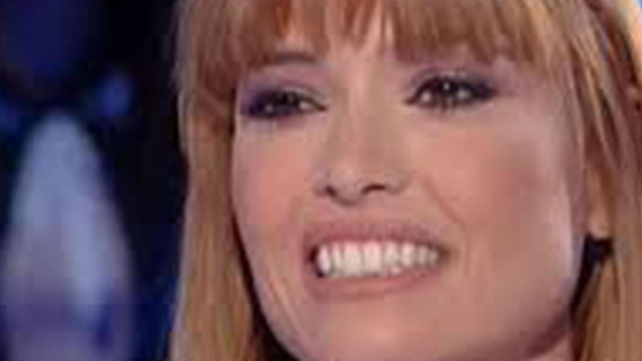 Carlotta Mantovan: la moglie di Fabrizio Frizzi dedica un post alla figlia Stella