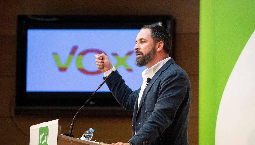 Una noticia en TVE relaciona a Vox con el auge del nazismo