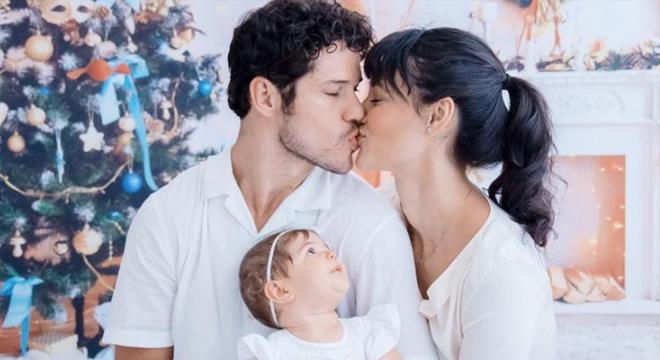 Após separação Débora Nascimento fala pela primeira vez após separação