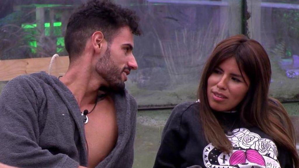 Asraf acaba en urgencias por una pelea en una discoteca y Chabelita lo acompaña