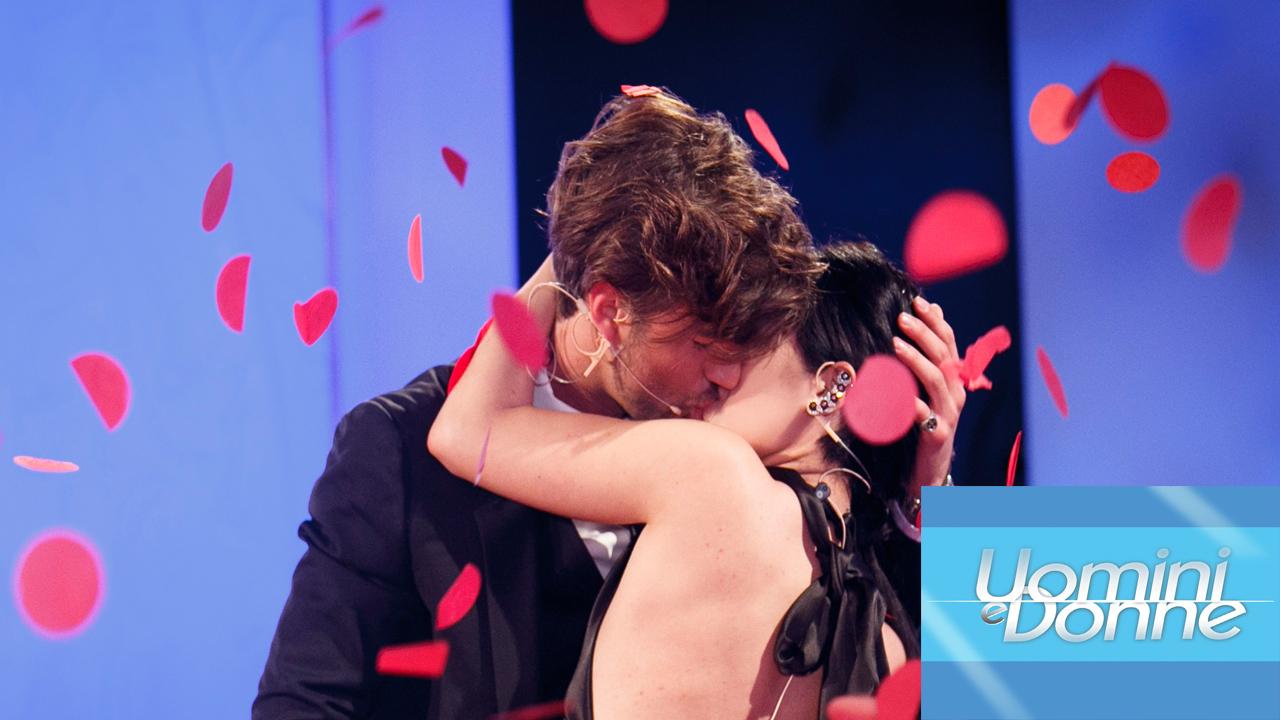U&D, Giulia De Lellis e Andrea di nuovo insieme: gli scatti del bacio su 'Chi' (RUMOR)