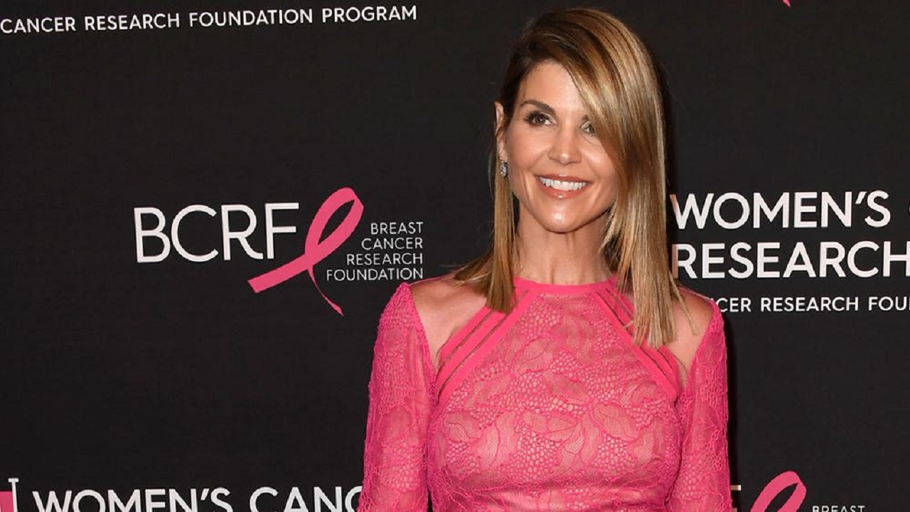 Lori Loughlin: Details about college admission scandal