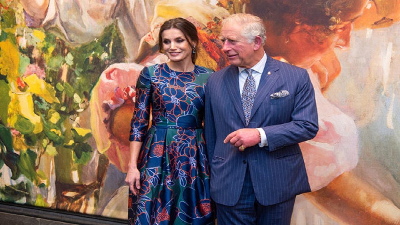 Críticas en los medios ingleses por el desplante de Letizia a Carlos de Inglaterra