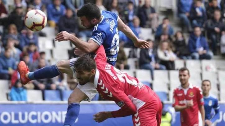 Los jugadores Joselu y Bolaño han sido claves para la victoria del Real Oviedo