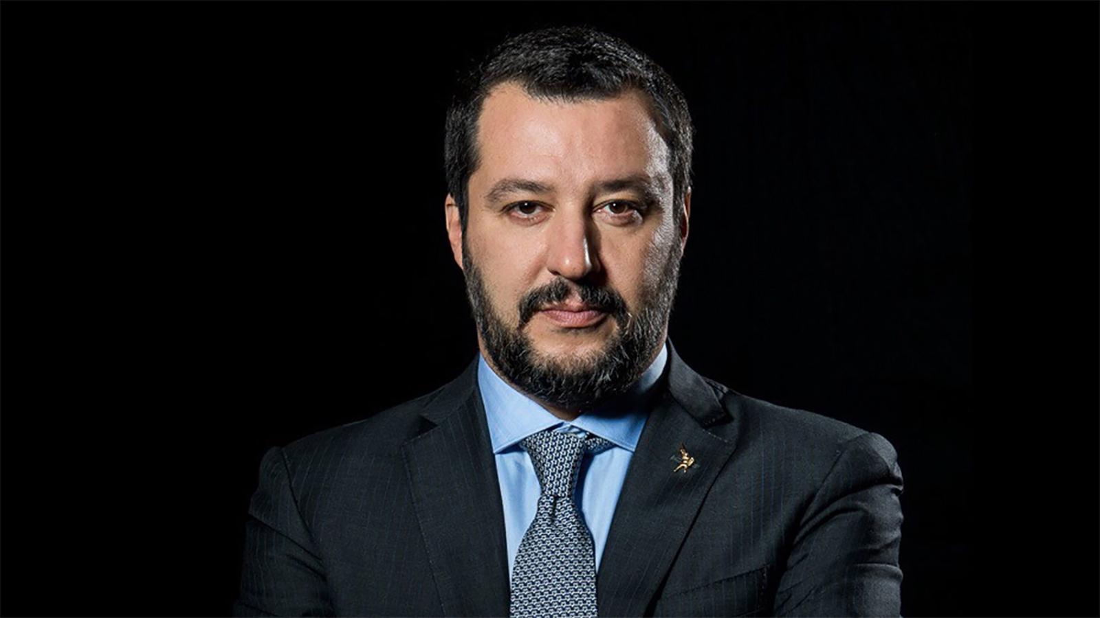 Potenza: Salvini risponde con ironia e sarcasmo ai suoi contestatori