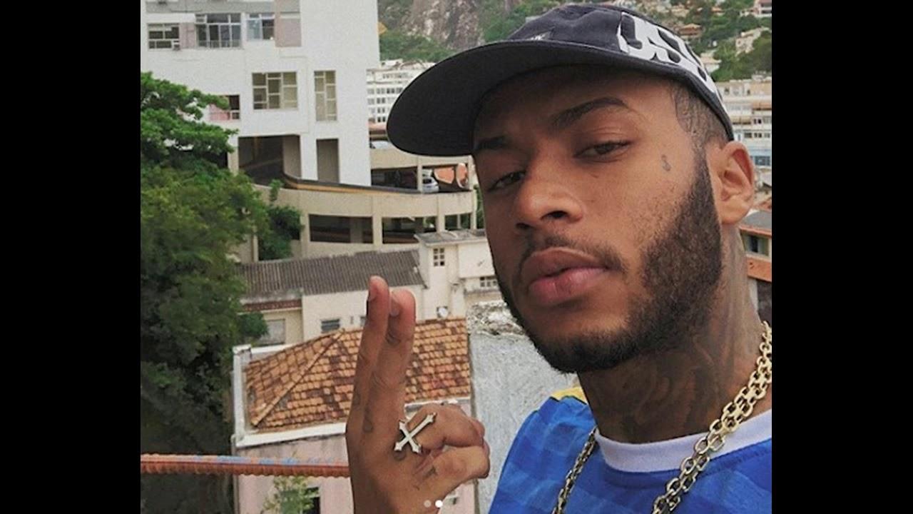 Rapper Orochi, famoso na internet, é preso por porte de drogas e desacato policial no RJ