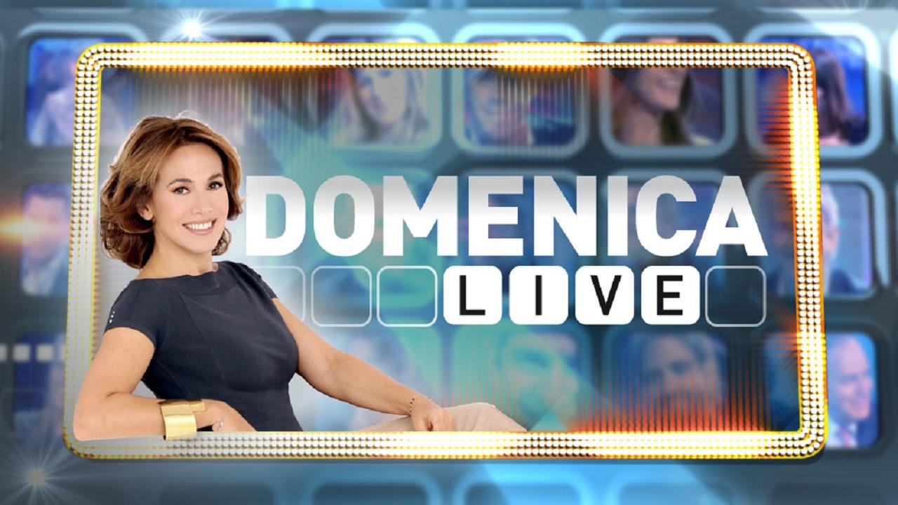 Barbara D'Urso, incidente osé a Domenica Live: la gonna si solleva in diretta TV