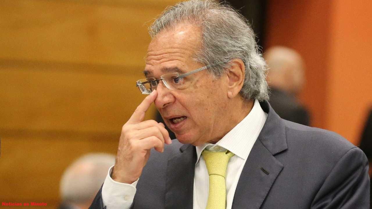 Paulo Guedes critica o ex-presidente Lula e o Corinthians em pronunciamento