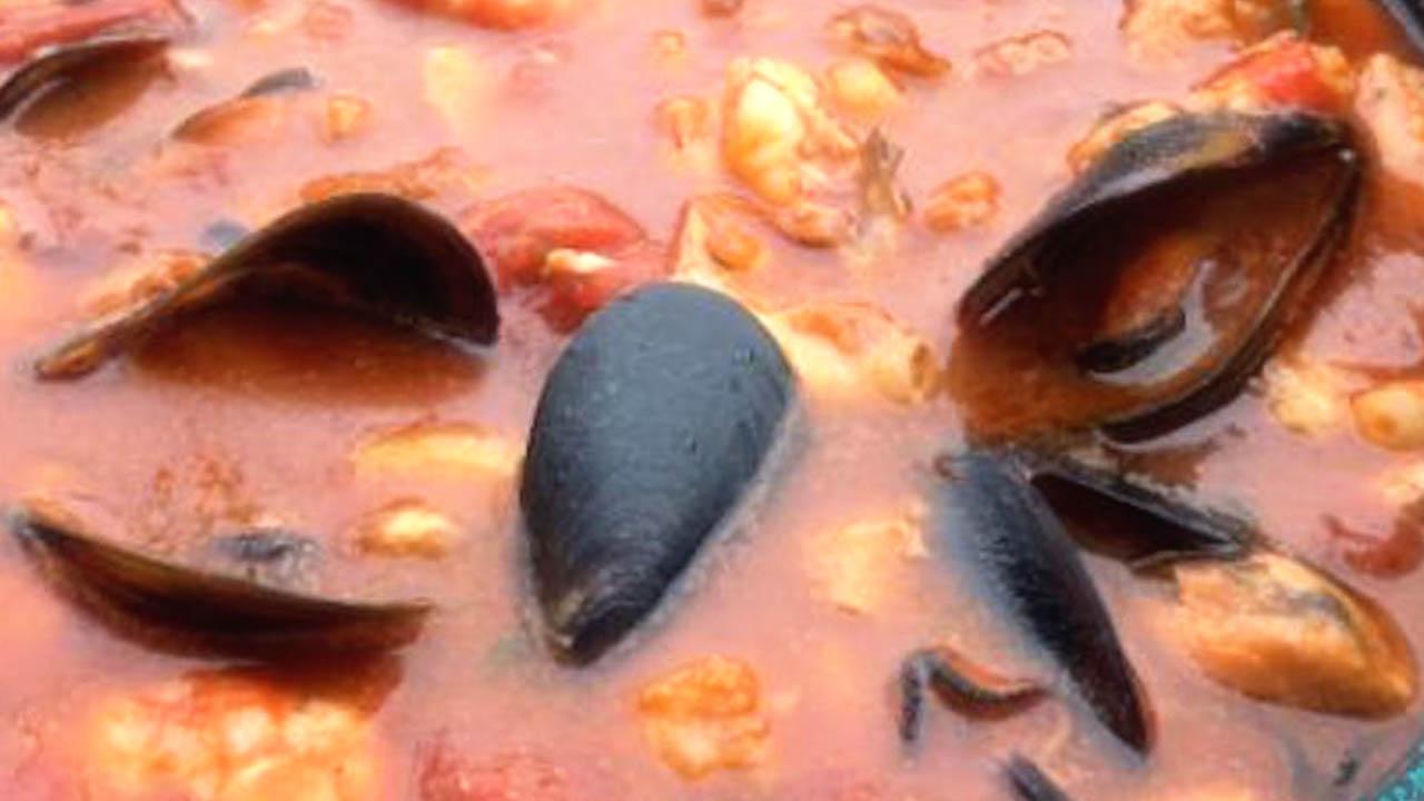 Ricetta, zuppa di pesce a base di rombo e rana pescatrice: ingredienti per 4 persone