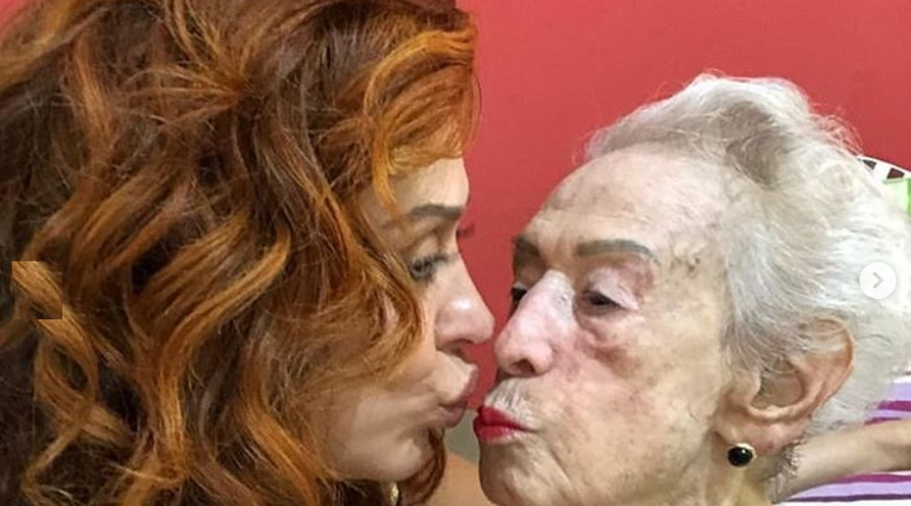 Claudia Raia perde a mãe com 95 anos e lamenta