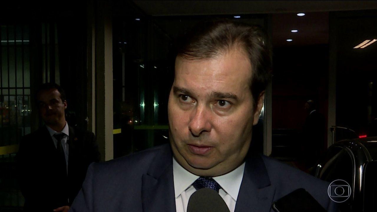 Rodrigo Maia se desentende com Sérgio Moro e diz que ele entende pouco de política