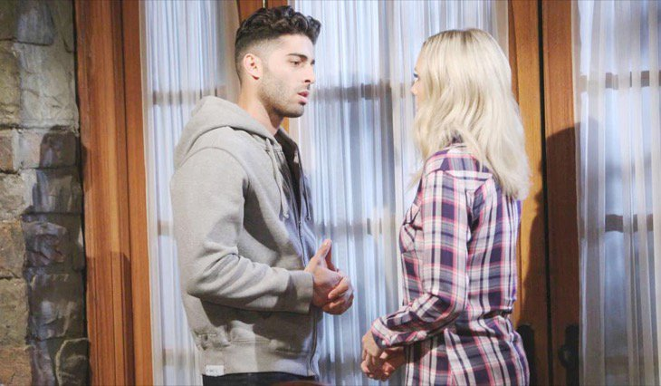 The Young and the Restless Spoilers: Kyle Breaks Lola's Heart
