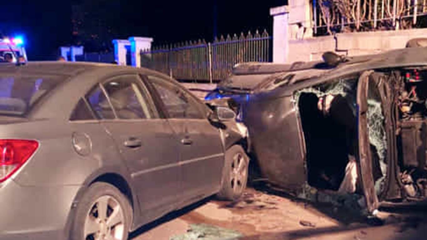 Strage nella notte, tre giovani morti in un incidente stradale