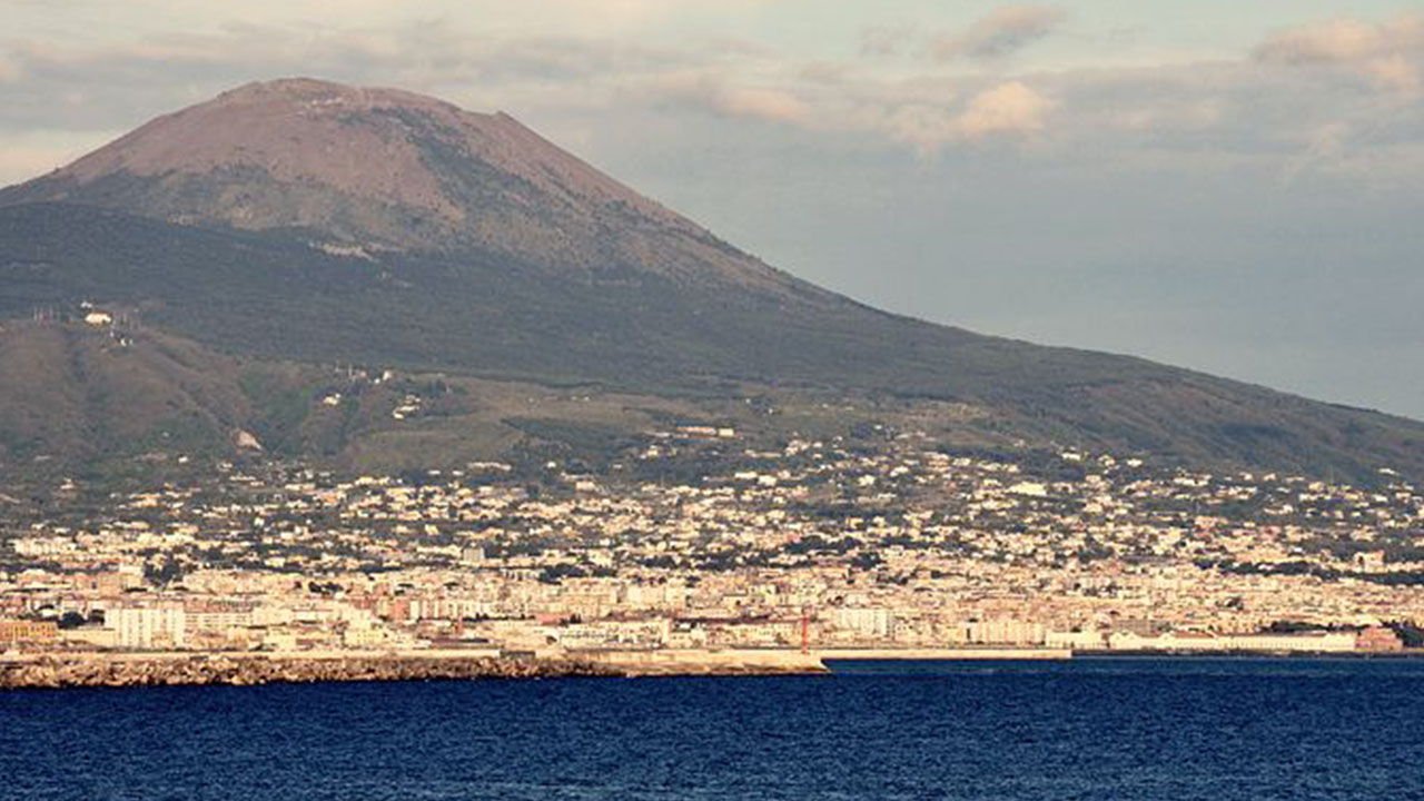 Campania, sciame sismico sul Vesuvio: 30 scosse in un'ora