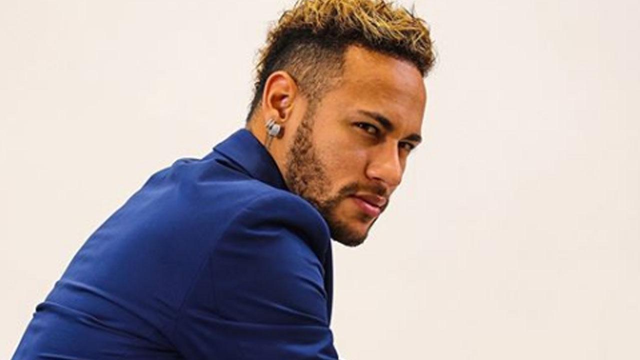 Mais de 2 meses depois, Neymar volta a treinar no PSG