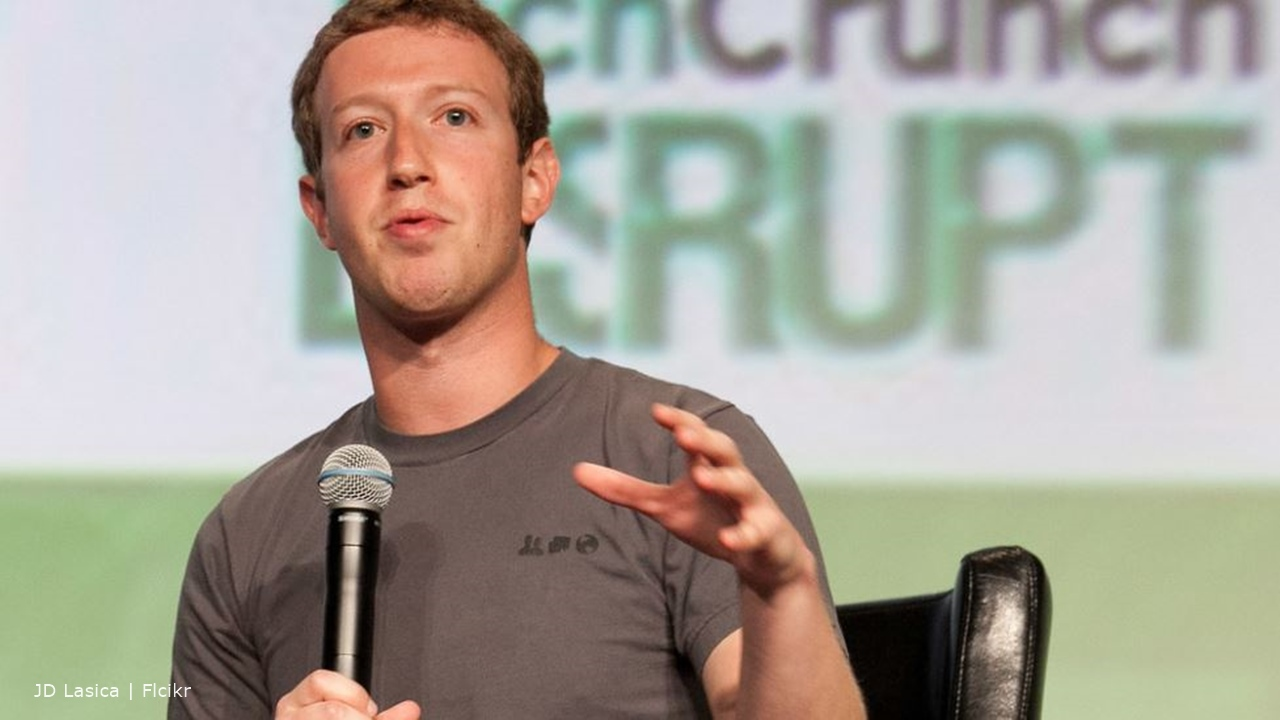 Mark Zuckerberg suggests a Facebook News platform they pay for