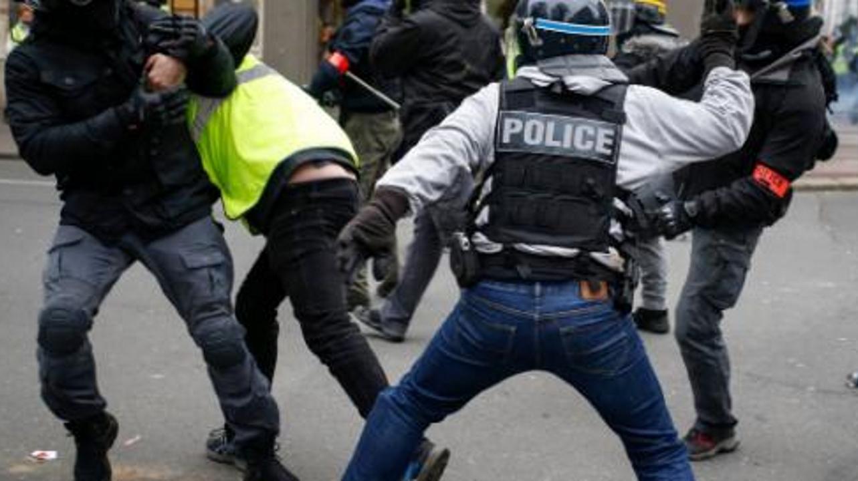 Gilets Jaunes : Un colonel de la gendarmerie nationale reconnaît des violences policières