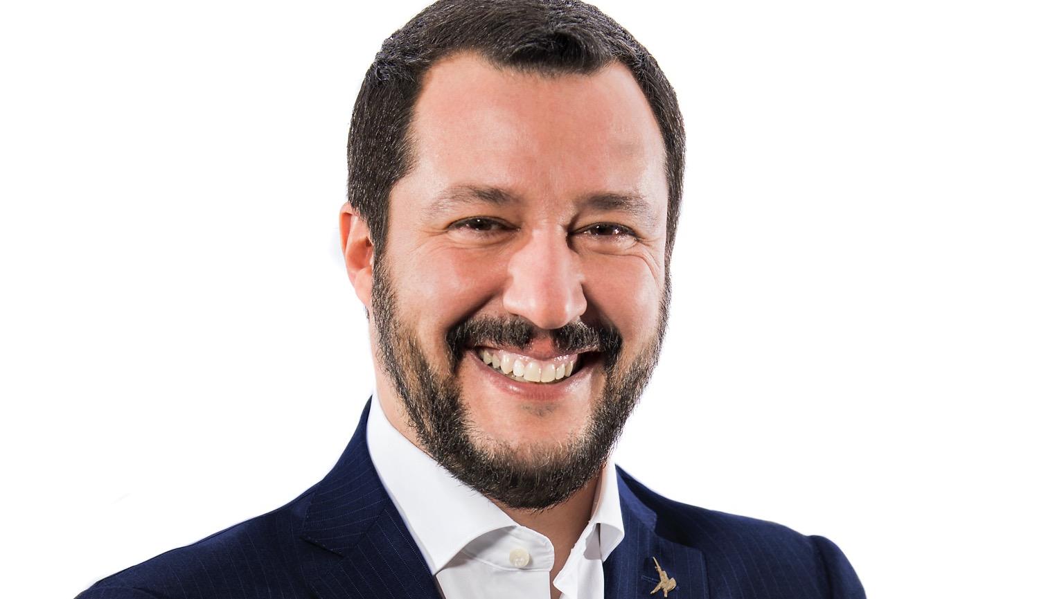 Salvini contestato a Vinitaly: 'Pensa ai problemi dell'Italia invece che alla f...'