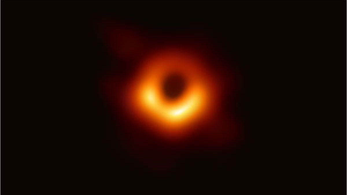 Primeira imagem feita de um buraco é revelada