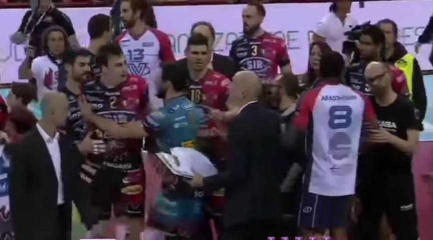 Volley, Superlega: Perugia-Monza finisce in rissa