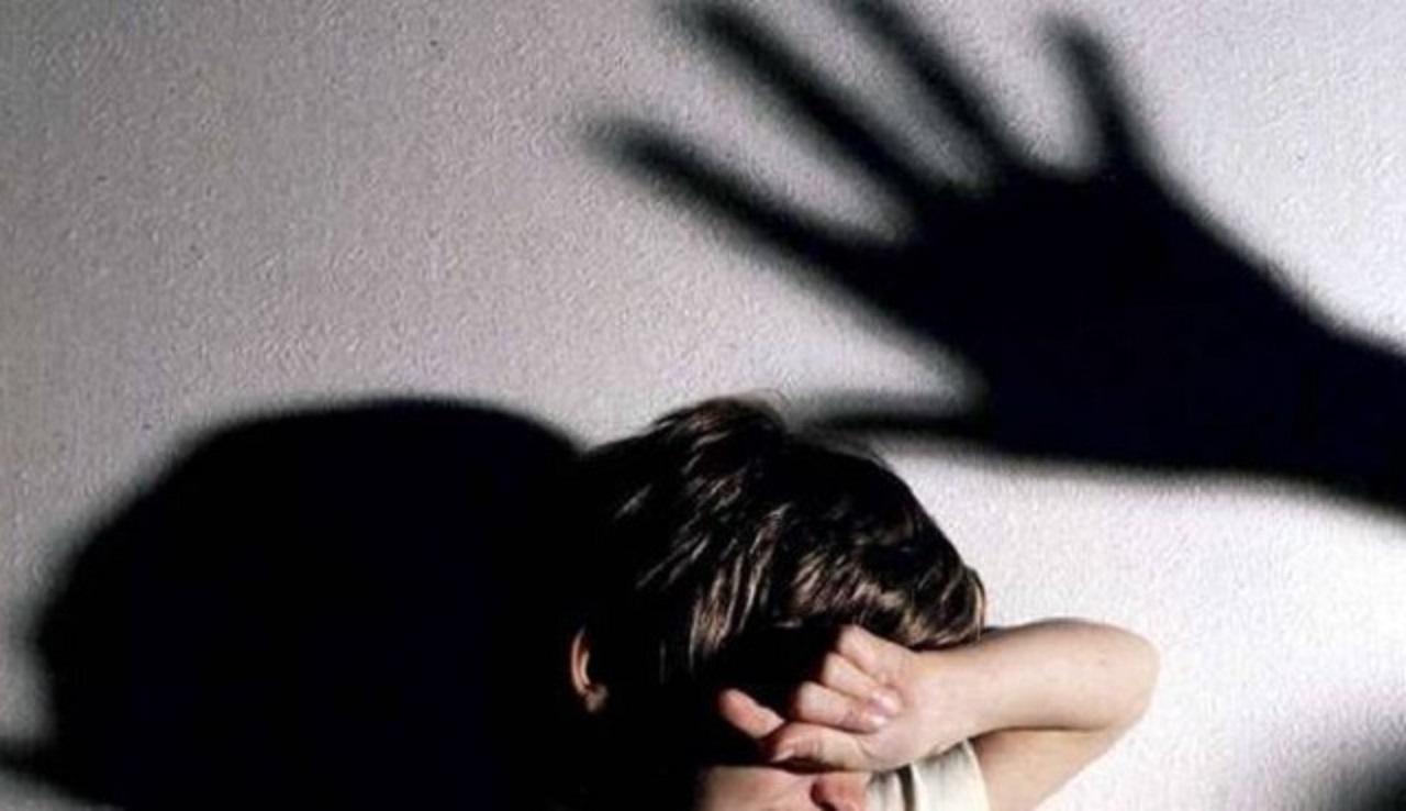 Massa: condannato uomo, abusava ripetutamente della figlia 12enne