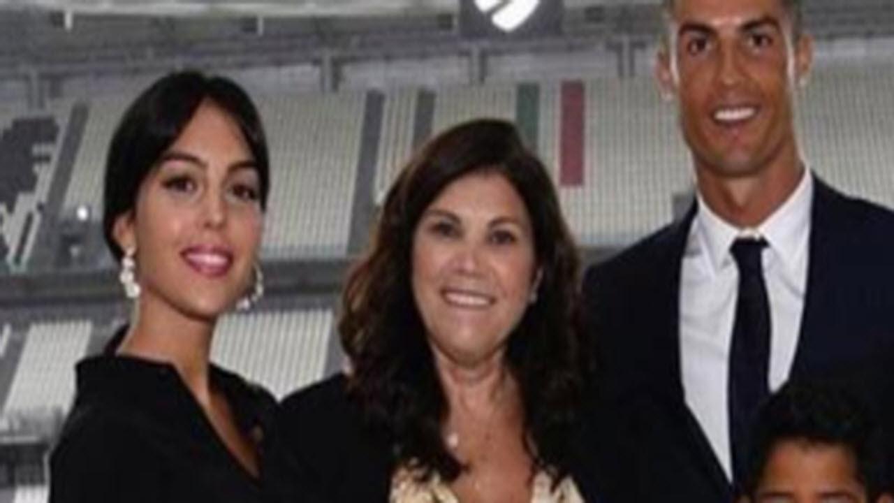 CR7 parla con sua madre dopo l'uscita della Juve dalla Champions: 'non faccio miracoli'