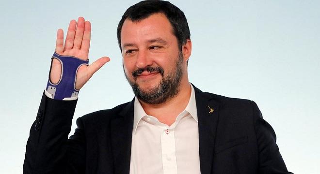 Matteo Salvini arrabbiato con il M5S, il vicepremier: 'Siete delle me...'