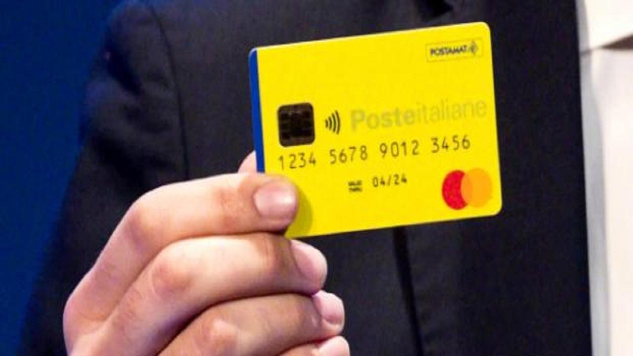 Reddito di cittadinanza: prime card con i soldi ma sui social è polemica sulle cifre