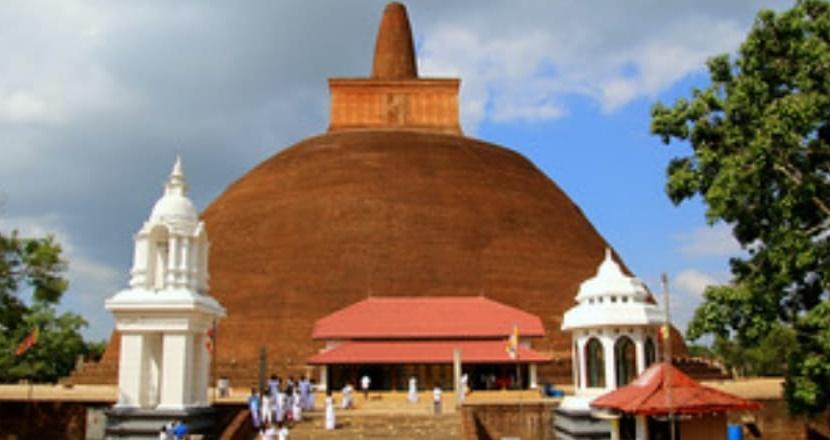 Cidades do Sri Lanka são vítimas de ataque com bombas, deixando centenas de mortos