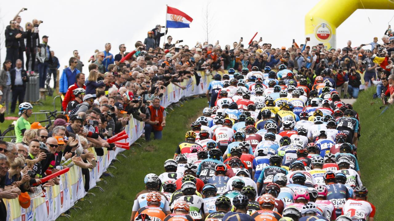 Ciclismo: vittoria mozzafiato per Van der Poel nella Amstel Gold Race