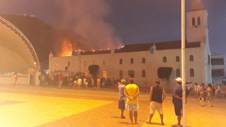 Imagem de Jesus sai intacta de incêndio em igreja na Bahia