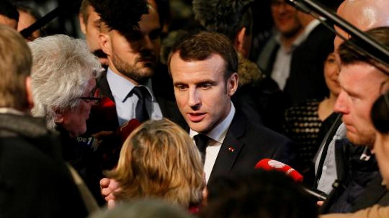 Grand débat : Emmanuel Macron sous pression face aux questions autour du temps du travail